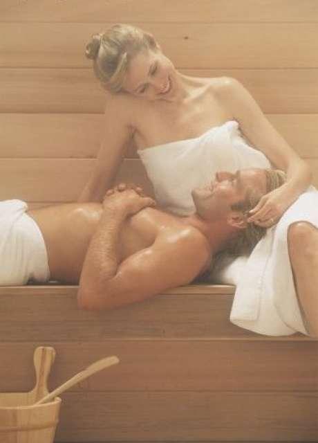 Секс в бане рекомендован. Для установления стойкого романтического настрое